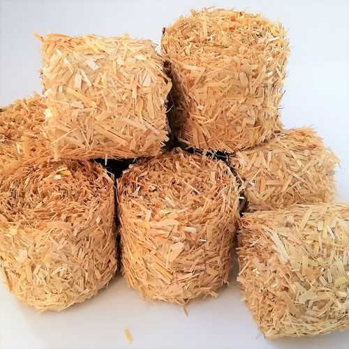 ROUND STRAW BALES - Scale 1:32  - Pack of 8