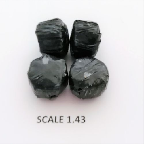 BLACK WRAP ROUND BALES - Scale 1:43 - Pack of 4