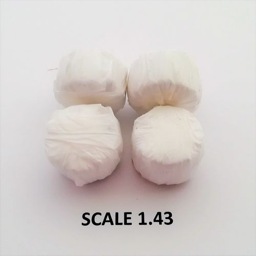 WHITE WRAP ROUND BALES - Scale 1:43 - Pack of 4