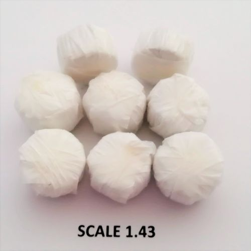 WHITE WRAP ROUND BALES - Scale 1:43 - Pack of 8